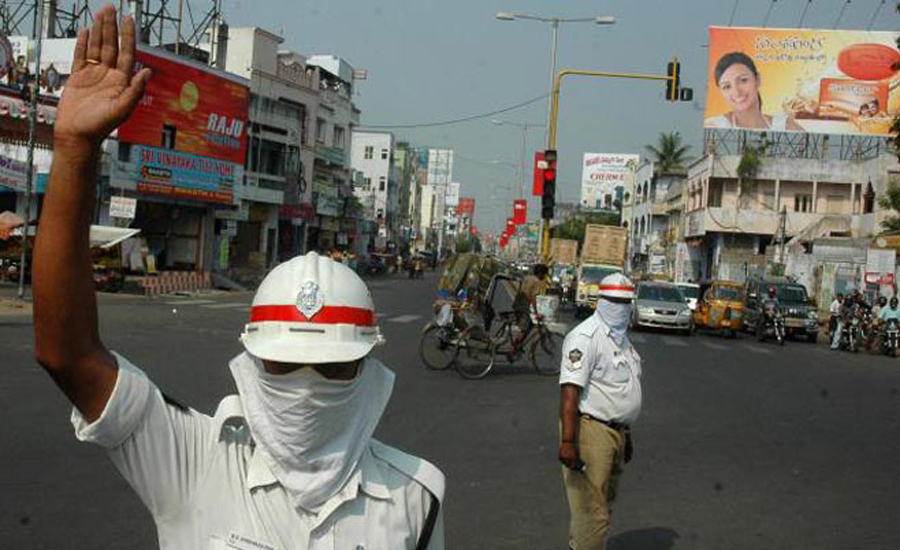 air pollution in hyderabad - traffic police wearing masks